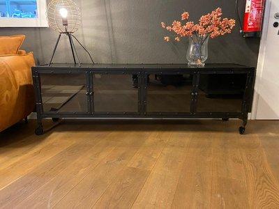 TV Board Steel