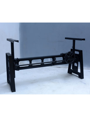 Model Industrial Schwarz